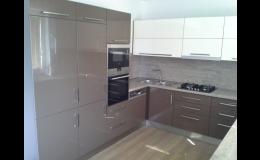 Kuchyňské skříňky, ostrůvky, nábytek do kuchyní na míru, Jan Forman, Znojemsko