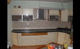 Zakázková výroba kuchyňského nábytku, jižní Morava