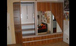 Zakázková výroba úložných prostorů a skříní, Kuchyňské studio Jan Forman, Moravský Krumlov