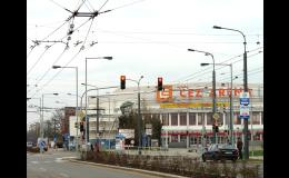 Sloupy a stožáry pro umístění semaforů a světelné signalizace dodává společnost AMAKO, spol. s r.o.