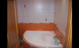 Stavební a řemeslné práce - obklady, podlahy i vodoinstalace