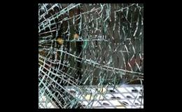 Okenní fólie chrání okna či skleněné plochy před robitím