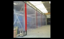 Předělení prostoru v interiéru - PVC závěsy, tabule či plastové panely a pásy