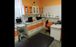 Zakázková výroba nábytku do kanceláří, laboratoří, ordinací lékařů