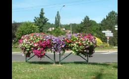 Květinová dekorace do měst a obcí