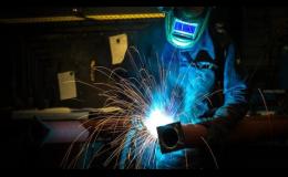 Zámečnické práce, kovovýroba, dělení materiálu, broušení, svařování, ohýbání, děrování, povrchová úprava kovů
