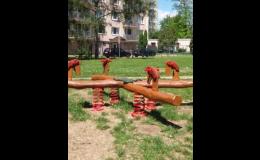 Houpačky pružinové, vahadlové, závěsné na dětská hřiště