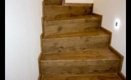 Vinylové schody ve stejném dekoru jako vinylová podlaha