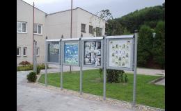 Informační vitríny a tabule, Čekárny - bus