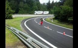 Vodorovné značení silnic, dálnic a parkovišť