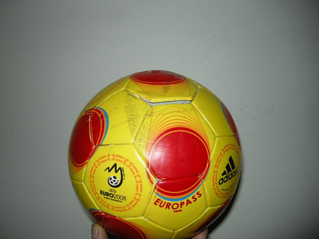 5a2154b84bf Poptávám opravu míče
