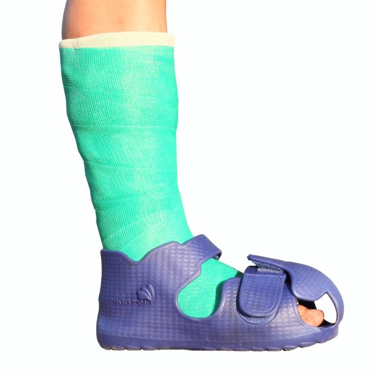 Ochranná bota k fixaci nohy ochrání nohu před zraněním i fixaci před poškozením.