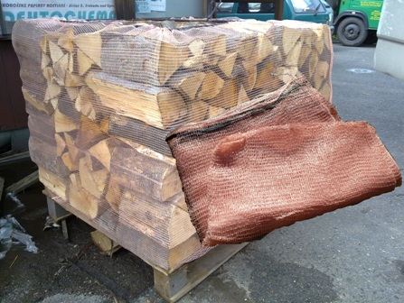 Pytle na štěpku i dřevo různých rozměrů