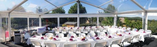 Pronájem a montáž party a cateringových stanů pro vaše venkovní akce