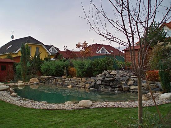 Ekologick� zahradn� jez�rka z mimo��dn� odoln� kau�ukov� folie