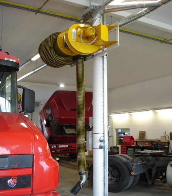 Systémy na odsávání zplodin zejména pro potřeby autoopraven dodává firma RAJCH.