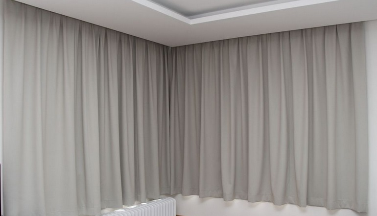 Zatemňovací blackoutové závěsy do vašich oken