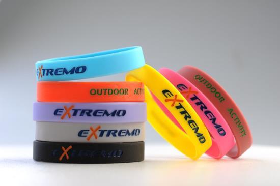 Silikonové náramky na zakázku jako účinný propagační prostředek