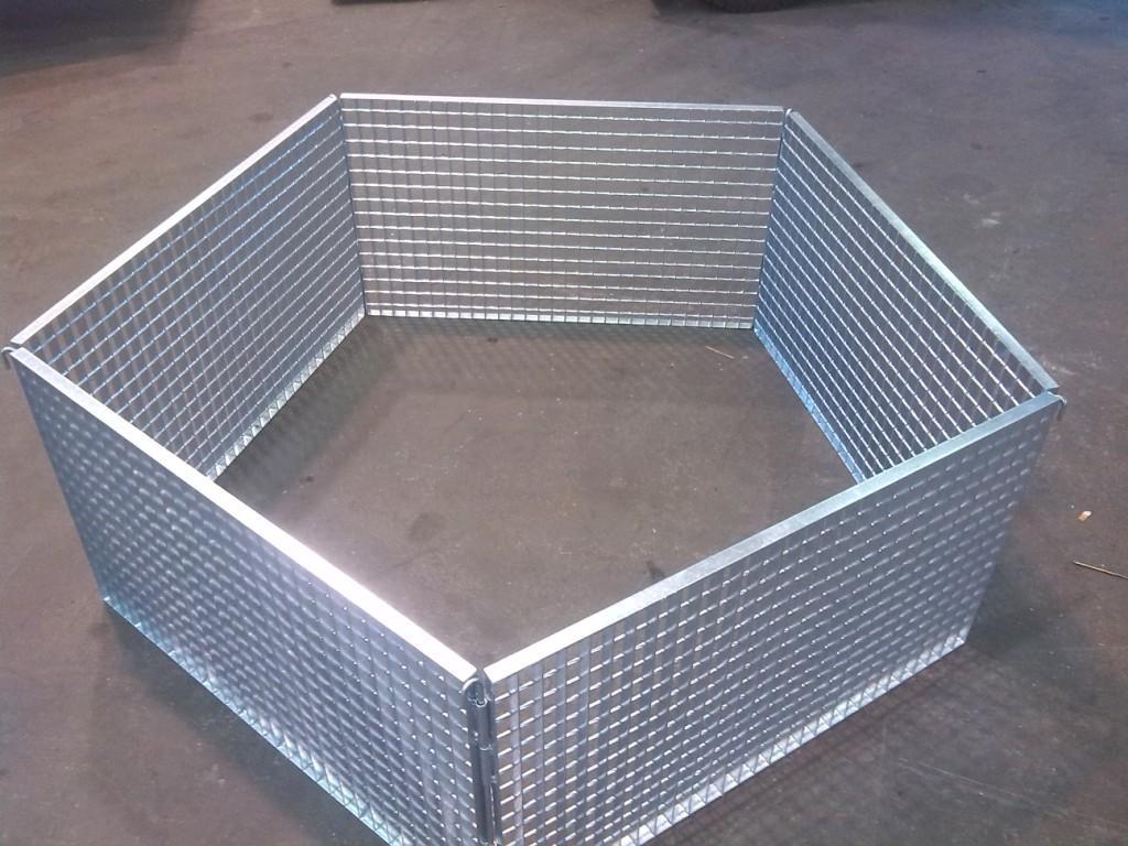 Skladný roštový kontejner lze jednoduše rozložit i složit