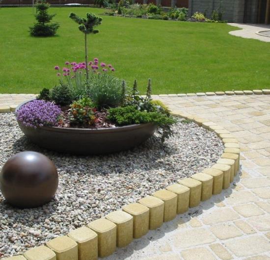 Návrh a realizaci okrasné zahrady vám zprostředkuje Zahradnictví Jiří Hruška