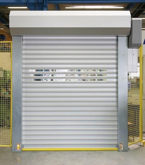 Průmyslová vrata, rychloběžná vrata a vyrovnávací můstky pro nákupní střediska i skladové haly
