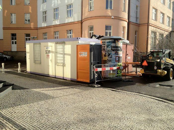 Mobilní WC, oplocení i kontejnery pro venkovní akce i staveniště zajistí WC Servis