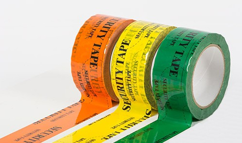 Bezpečnostní pečeticí pásky pro kontrolu neporušenosti zásilek a pro další využití