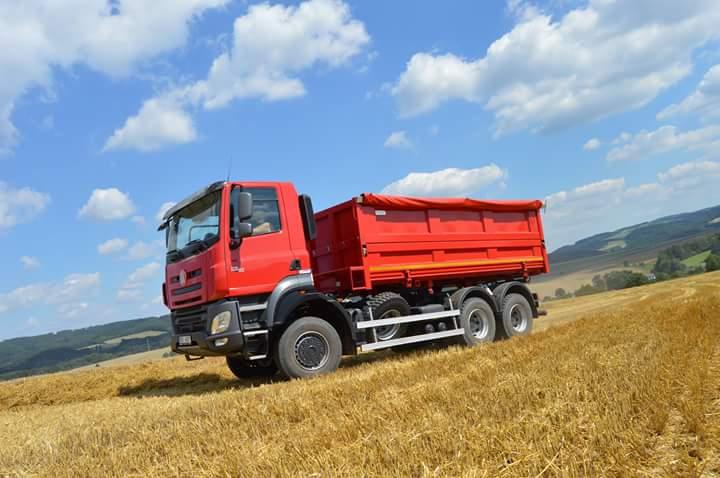 Nosič výměnných nástaveb – řešení přepravy v zemědělství