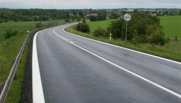 Výstavba a rekonstrukce komunikací, vozovek a silnic všech typů