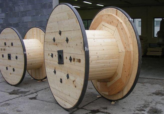 Dlouholeté zkušenosti s výrobou kabelových bubnů má společnost Stolárna Santo a.s.