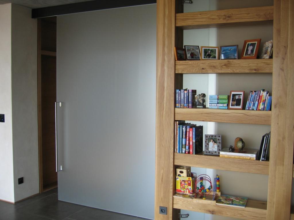 Skleněné posuvné i kyvné dveře