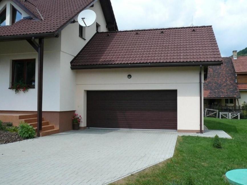 Garážová vrata pro rodinný dům