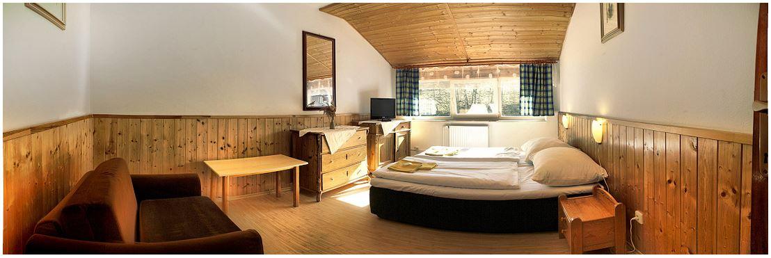Nádherná, klidná a romantická příroda a k tomu příjemné, malebné ubytování v penzionu Kamzík ***