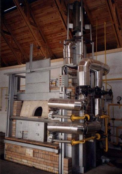 Sklářské tavicí pece, ocelové konstrukce i termovize objektů