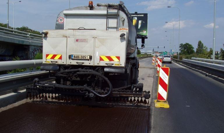S opravou vozovky i recyklací živice Vám pomohou profesionálové