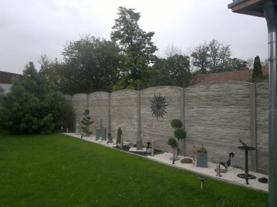 Betonové ploty a oplocení pro rodinné domy