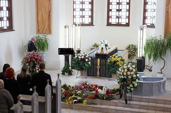 Pohřební služba, POHŘEBNÍ ÚSTAV S.R.G, Trutnov