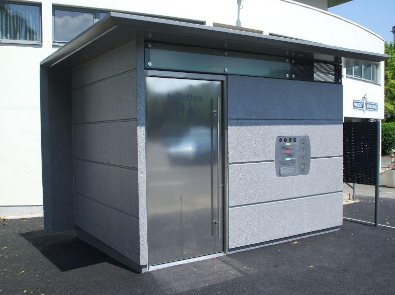 Moderní veřejné automatické toalety do měst, parků a veřejných prostor