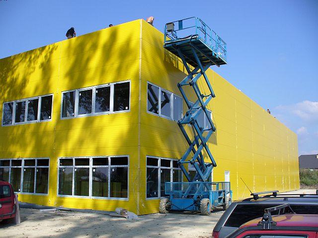 Vybudujeme novou halu nebo zrekonstruujeme starou, jsme specialisté na kovové montované haly