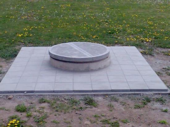 Studna - betonová šachta s dlažbou, POŽI s.r.o.