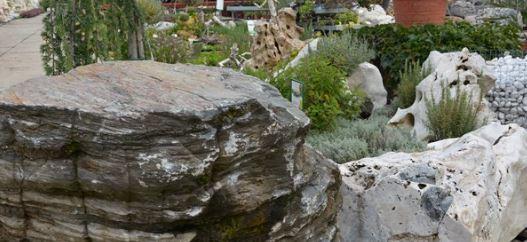 Soliterní kameny, Zahradnické centrum Brabec, s.r.o.