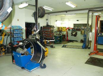 Prodej a servis pneumatik, Jiří Palička - REPAS Robousy