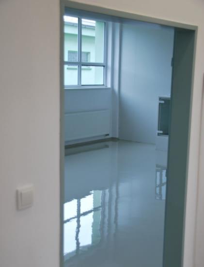 Široká nabídka všech typů podlah, samonivelační anhydritové a cementové, epoxidové a polyuretanové i betonové