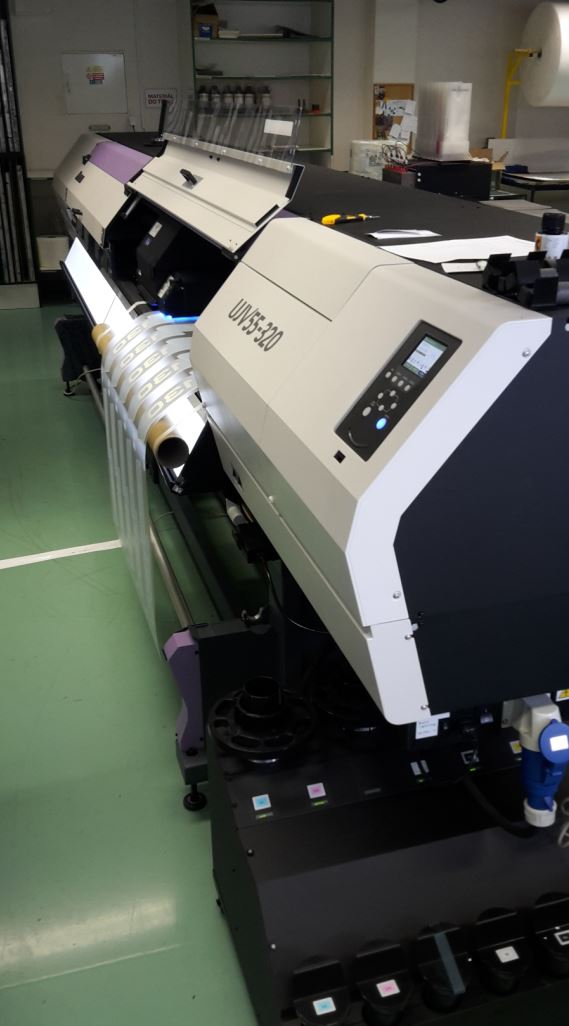 Tiskařský stroj UJV 55-320 MimakiV PRINT, s.r.o.
