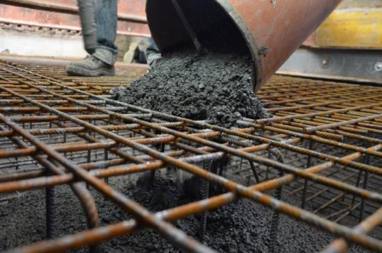 Těžký beton o zaručené objemové hmotnosti 3800kg/m3 pro onkologickou kliniku FNKV