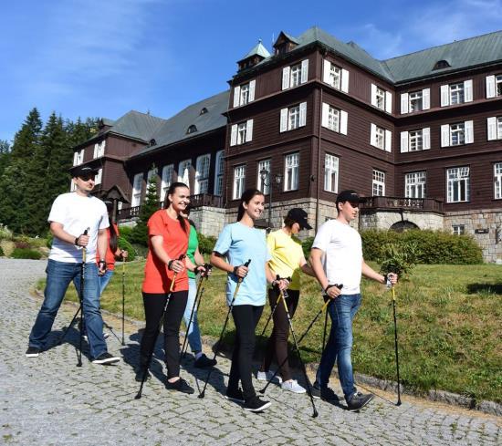 Horské Lázně Karlova Studánka v Jeseníkách – to nejsou jen léčebné pobyty pro pacienty, ale také rekreační pobyty pro všechny ostatní