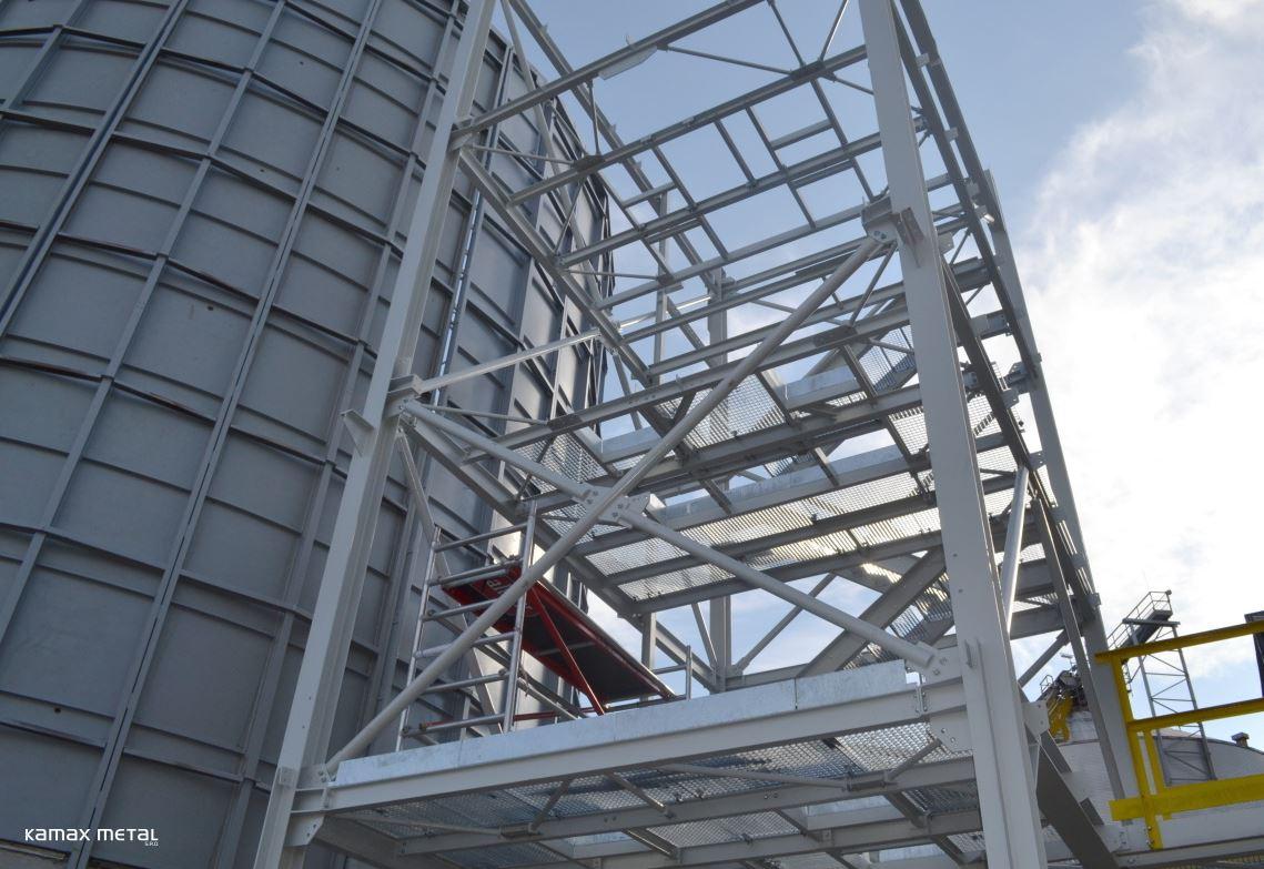 Stavba ocelové konstrukce a opláštění - celá Morava