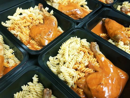Obědy s sebou, které jednoduše převezete, uskladníte i ohřejete, FBA Praha 6 – Ruzyně