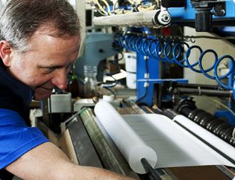Výroba a tisk samolepicích etiket, TECOM paper s.r.o.