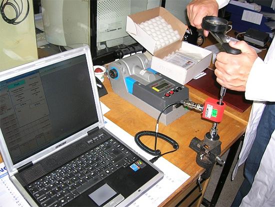 Akreditovaná kalibrační laboratoř KSQ kalibruje i školí